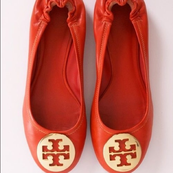 bb36e1b1040 Tory Burch red leather Minnie travel ballet flat. M 5b91b6fec2e88ed87c11004e